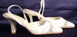 Valerie Stevens Cream Satin and Lace Slingback Sandals w Flower Womens