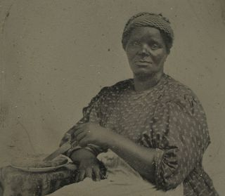 ERA AFRICAN AMERICAN LADY APPLE PIE OCCUPATIONAL COOK TINTYPE PHOTO