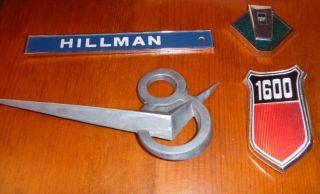 LOT ANTIQUE CAR EMBLEMS 4PCS V8 1600 HILLMAN FORD CAPRI CORTINA