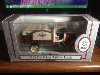 ERTL 1925 DELIVERY TRUCK BANK 1 32 PUBLIX BAKERY DIE CAST METAL BRAND