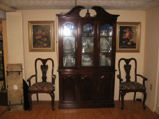 Furniture Ethan Allen Dining Room Set 6 Chairs Table Hutch Hardly Used