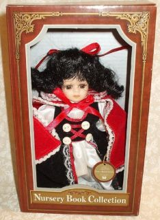 BOOK COLLECTION PETITE PORCELAIN SNOW WHITE DOLL MIB BARBRA LEE ARTIST
