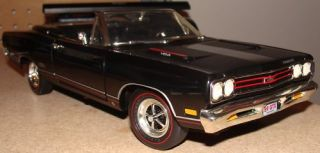 18 Ertl 1969 Plymouth GTX Convertible American Muscle