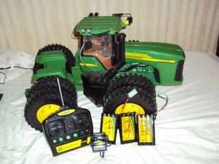 John Deere 24 Radio Controlled Tractor New Control Remote Radio