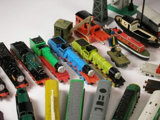 80+ vehicles ERTL Thomas Tank Engine Trains Lot Plus Playset