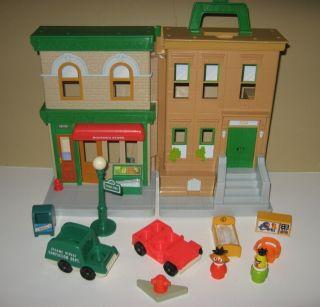 Sesame Street Fold Up Playhouse Playset w Bert Ernie