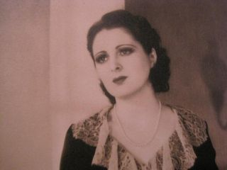 Photo of Silent Film Star Vamp Billie Dove in Lacy Dress 3O
