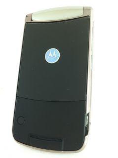 Motorola RAZR 2 V9M (US Cellular) Bluetooth Compatible Flip Phone