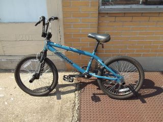 Mongoose Villain BMX Bike Bicycle Blue