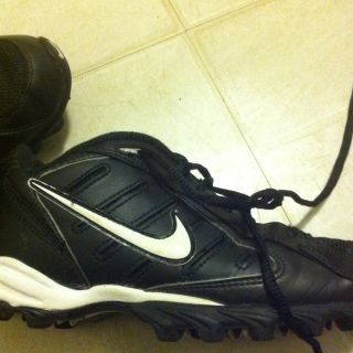 Boys Youth Soccer Football Cleats Size 2 5 Y Shoes Nike
