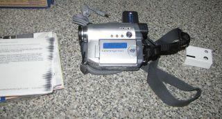 Sony Handycam DCR DVD201 Digital Video Camera Recorder Kit