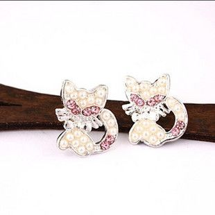 Silver Tone Pink Crystal Pearl Cat Bow Stud Earrings