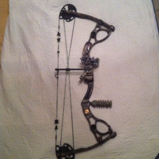 2011 Martin Silencer Compound Bow 70 60THANNIVERSARY