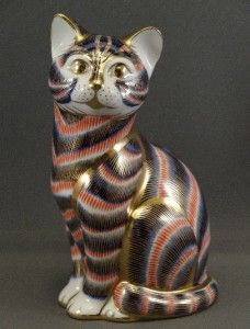 Retired 5 Sitting Cat Royal Crown Derby Figurine Paperweight Gold