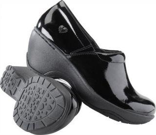 Nurse Mates Bryar Womens Black Patent Leather Slip on Comfort Nursing