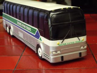 SCENIC HYWAY TOURS PROMOTIONAL PASSENGER BUS MODEL. INCREDIBLE DETAIL