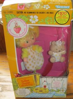 VINTAGE STRAWBERRY SHORTCAKE BUTTER COOKIE DOLL WITH JELLY BEAR PET IN