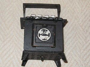 Blue Bird Cast Iron Old Fashioned Gas Stove   Miniature