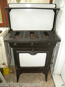 Athens Stove Works #33 Porcelain Enamel Cast Iron 3 Burner Gas Stove w