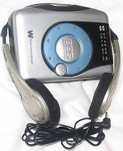 White Westinghouse Portable Stereo Cassette Player with Am FM Radio