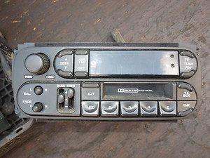 Jeep WJ Grand Cherokee Factory Radio 99 04 AM / FM Cassette