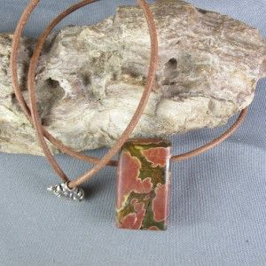 Cherry Creek Red Hand Cut Polished Necklace Pendant Leather Cord