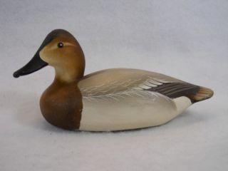 Canvasback Hen Duck Decoy by Charlie Joiner Chestertown Chesapeake Bay