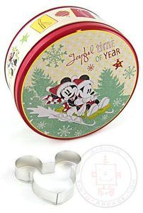 Disney Mickey Minnie Christmas Holiday Gift Tin Cookie Cutter 2 PC Set