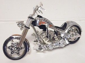 Motor Max Iron Choppers Motorcycles 1 18 scale 5 1 2 length S