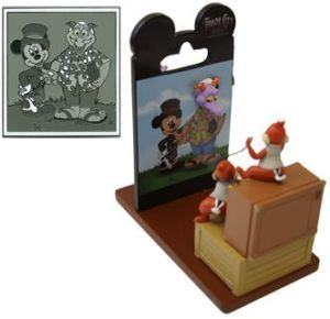 Disney Figurine Largest Backer Card Chip Dale Pin
