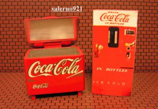 Coca Cola Cooler Ice Chest Vintage Vending Machine FREE 1 24 G Scale