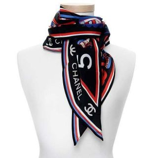 Authentic $437 Chanel CC Logo Coco Train 100 Silk Scarf Made in Italy