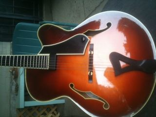 1996 COMINS CHESTER AVENUE ARCHTOP ELECTRIC GUITAR  ONE OWNER