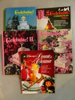 VTG Lot 5 WILTON CAKE DECORATING Celebrate Christmas Cookie Books