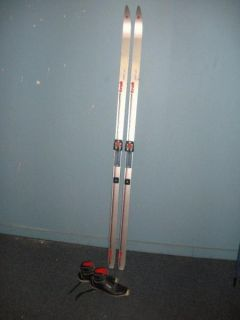 TRAK SPIRIT W 195CM CROSS COUNTRY SKIS W/ SALOMON BINDINGS &POLES Make