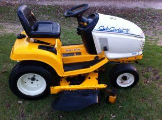 Cub Cadet 2206 Riding Lawn mower Hydrostatic Shaft Drive John Deere