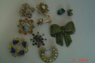 JUNK DRAWER LOT PINS RHINESTONES AND NICE LOT ESTATE FIND 167