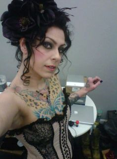 Sexy American Pickers Danielle Colby Cushman in Sexy Outfit