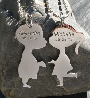 PERSONALIZED STEEL KISSING COUPLE NECKLACE PENDANT CUSTOM ENGRAVED