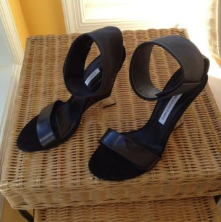 Diane Von Furstenberg Size 7 Black Leather Sandal Worn Once