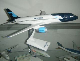 Airlines Airbus A320 200 Model Airplane 1 100 Desktop Scale