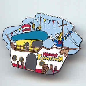 DONALD Duck ON TUGBOAT BOAT Mickeys TOONTOWN 2003 DISNEY PIN