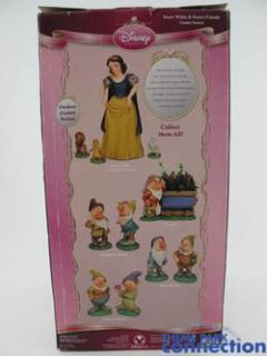 Disney SNOW WHITE & 7 Dwarfs Princess Friends Big Fig Garden Statue 4