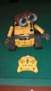 Disney Wall E Remote Control Interactive Toy Robot w Remote U Command