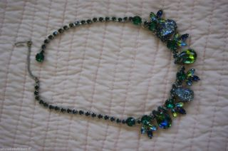 BEAUTIFUL VINTAGE WEISS GREEN RHINESTONE NECKLACE