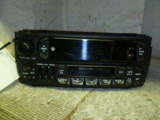 01 02 Dodge Dakota Durango Radio Cassette with Cd Changer Control