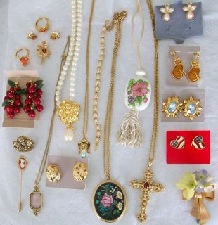 Vtg Avon Jewelry Lot Drop Necklace Pendant Earrings Rings Bracelet