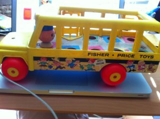 Price School Bus Wooden Plastic Pull Toy NO String East Aurora NY