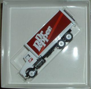 Dr Pepper Soft Drink Soda 94 CV Winross Truck
