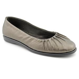 Easy Street Audrey Womens Size 7 Gray Narrow Faux Leather Flats Shoes